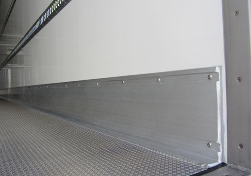 ALLOY SIDE PROTECTION STRIPS WELDED TO THE FLOOR